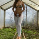 Cumming, Shitting and Pissing in white Leggings with VeganLinda Nylon Scat XXX [FullHD]